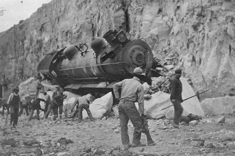 Salt-Lake-Route_3415-wreck-near-Farrier_1911_03