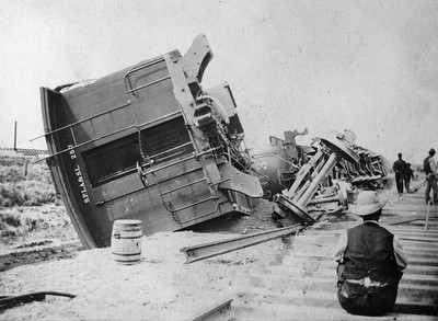 splasl_caboose-250_wrecked_no-date_no-location