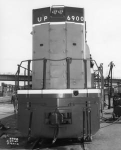 up-6900_DDA40X_rear-end_up-photo