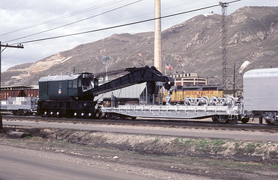 up_derrick_900310-with-boom-car_fresh-paint_salt-lake-city_30-mar-1983_don-strack-photo