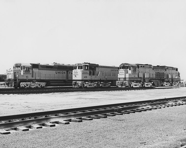 up-71-42-60_double-diesels_uprr-photo
