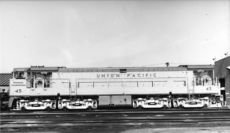 up-45_U50_fireman-side_uprr-photo