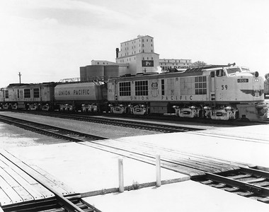UP_4500GTE_59-60-with-tender_UPRR-Photo
