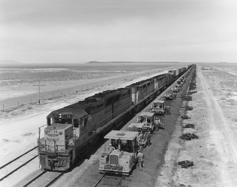 up-75_dda35_with-train_neels-utah_uprr-photo