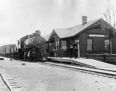 Original Milford depot; replaced in 1923. (Melvin Stanley Collection)