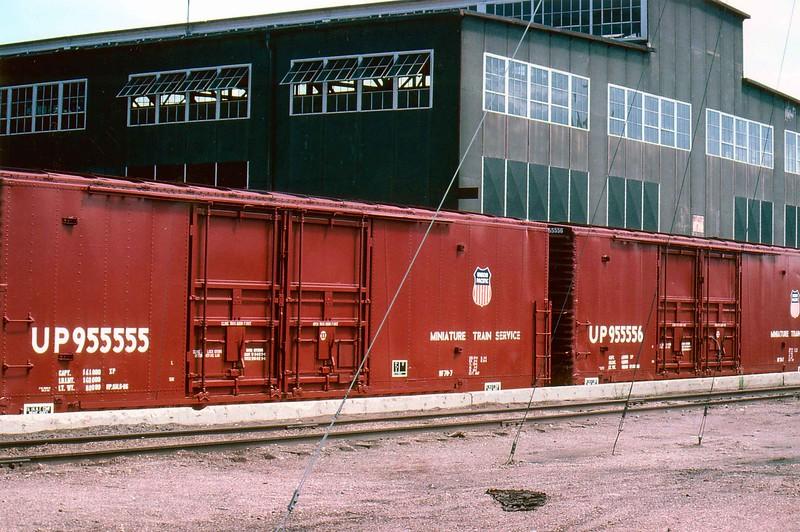 Slide date 9-1986. Cheyenne, mini train box cars. RPKreiger photo. JLE