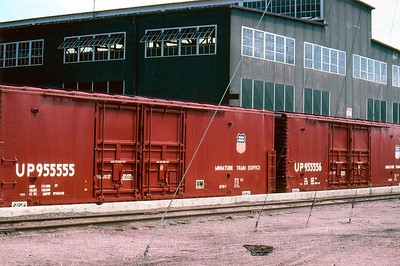 Slide date 9-1986. Cheyenne, mini train box cars. RPKreiger photo. JLE