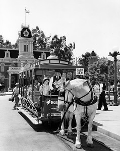 UP-Destinations_Disneyland_656-3-2_UPRR-Photo