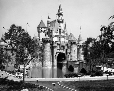 UP-Destinations_Disneyland_458-4-5_UPRR-Photo