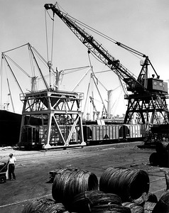Unloading-sand-at-Long-Beach_764-7-1_UPRR-Photo