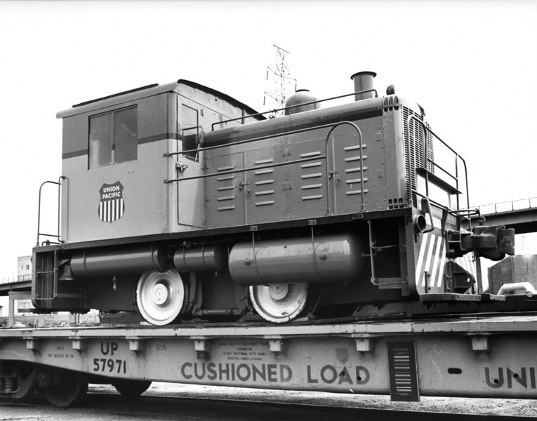 Whitcomb 30-ton. Owned by UP from 1971-1978. Used as North Platte shop switcher for a very short time; found to be too small and under-powered.