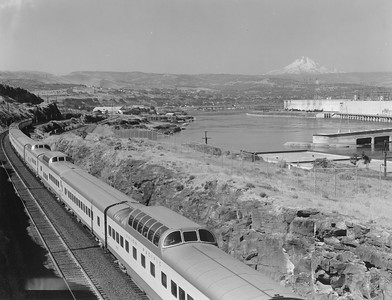 up-city-of-portland-dome-cars_the-dalles-oregon_up-photo