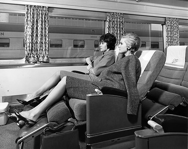 UP-Passenger-Car-Interior_1266-1-19_UPRR-Photo