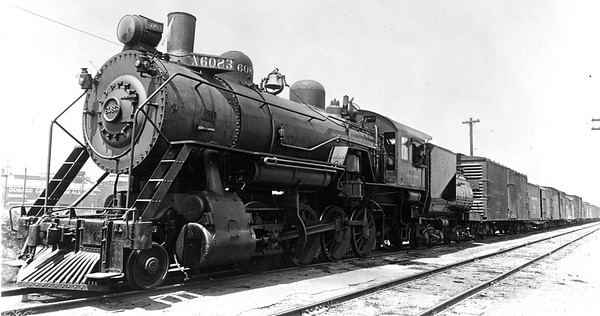 lasl-6083_2-8-0_with-train_up-photo