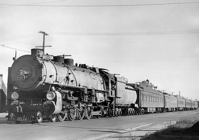 up_4-8-2_7019-with-train_salt-lake-city_31-aug-1947_r-h-kindig-photo_dave-england-collection