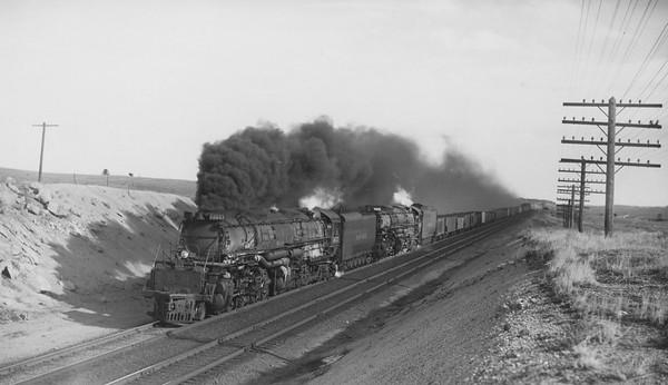UP_4-8-8-4_4022-with-train_near-Buford-Wyo_Nov-11-1951_R-H-Kindig-photo