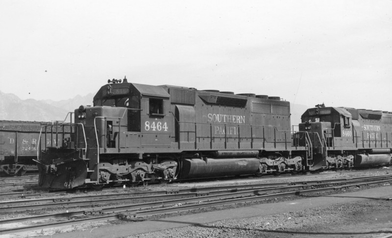 SP SD40 8464, Roper, June 1969. (Don Strack Photo)