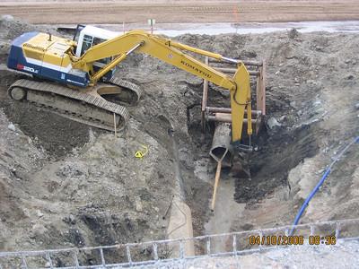 2006-04apr-10_Farmington_Creek_Backfilling_around_Weir_structure