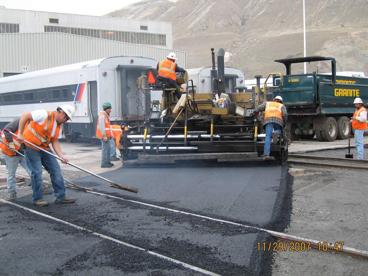 2007-11nov-29_Salt_Lake_City_Warm_Springs_Shop_Access_Road_Paving_002
