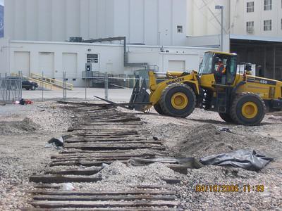 2006-04apr-10_Kaysville_Abandoned_Spur_Demoliton