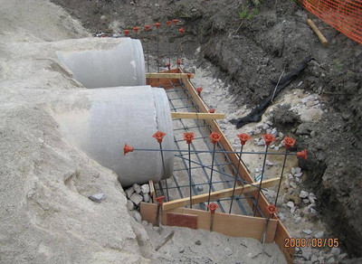 2008-08aug-05_Reach-1005_Tanner_Race_Canal_Irrigation_Apron-Headwall_Construction
