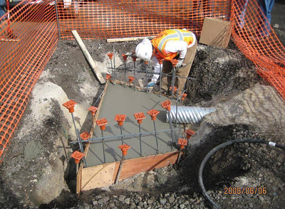 2008-08aug-06_Reach-1005_Drainage_Apron-Headwall_Construction_02