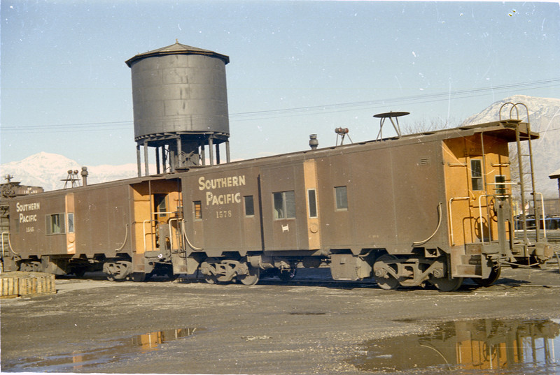 SP Cabooses 1578 and 1545, Ogden. (Vic Oberhansley Photo)