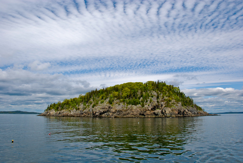 "<span id=""title"">Sheep Porcupine Island</span> Not to be confused with Long, Burnt, or Bald Porcupine Islands. Actually I'm not positive that it's Sheep Porcupine. But it's definitely one of the Porcupine Islands."