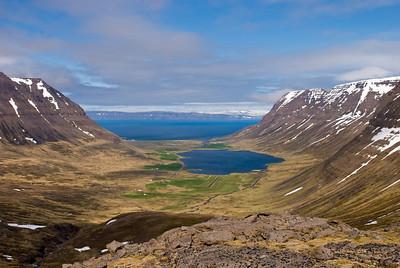 Syðridalur og Syðradalsvatn við Bolungarvik