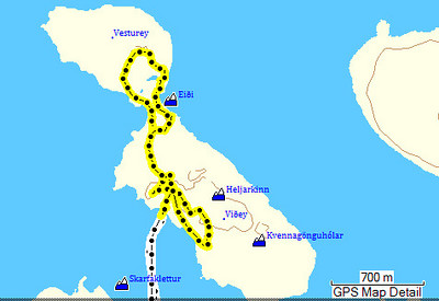GPS ferlinn leiðarinnar. Við byrjuðum á að labba upp á Sjónarhól, svo út í Vesturey, þá upp á Heljarkinn og loks upp á Kvennagönguhóla þar sem Paradísarskúti var skoðaður.