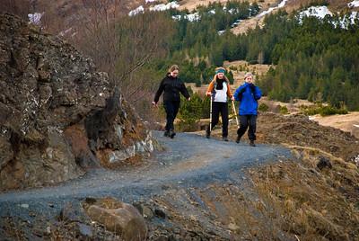 Erna, Álfhildur og Aðalbjörg á leiðinni niður