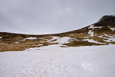 Við völdum okkur snjóskafl þegar við fórum niður. Klukkan 18.34