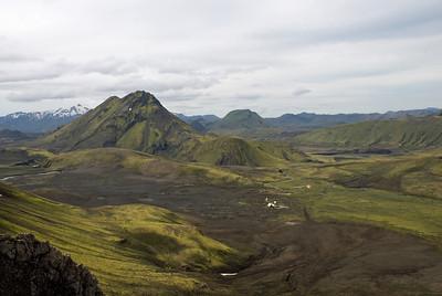 Horft yfir skála FÍ í Hvanngili. Stóra-Súla. Brattháls til hægri. Stóra-Grænafjall í bakgrunni.