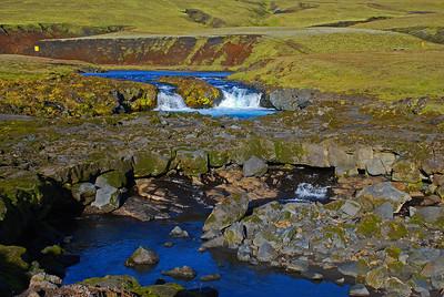 Hraunbrú - náttúrleg steinbrú yfir Syðri-Ófæru
