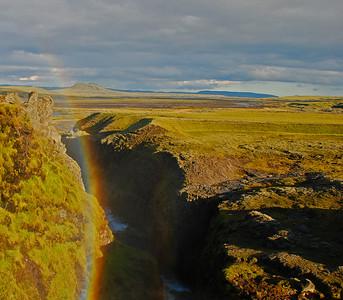 """Regnbogi við """"Litla-Gullfoss"""" eða Silfurfoss í Syðri-Ófæru"""