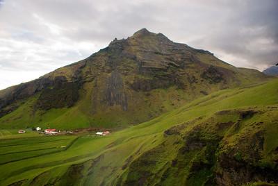Horft á Drangshlíðarfjall. Kl. 21.24
