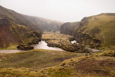 Gljúfrið þar sem vaðið er yfir Syðri-Ófæru