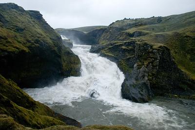 Foss í Syðri-Ófæru við Eldgjá