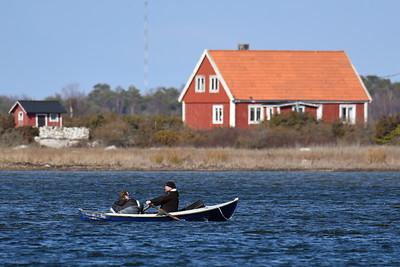 Roddbåt utanför Ungskär