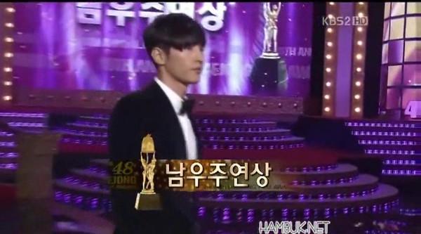 111017-award-2