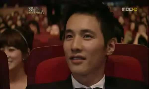 101118-wonbin_smile