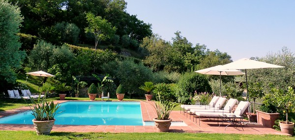 V214 - FLORENCE HILLS, ITALY - Elegant Villa in Prime Location with Private Pool and Land