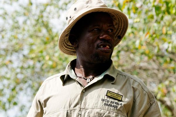 Munduu, guide, river cruise, Botswana