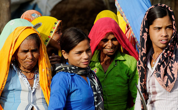 Lovely ladies, on the road to Agra