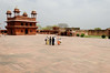 Courtyard and Diwan-i-Khas – Hall of Private Audience, Fatehpur Sikri (City of Victory), Ghost City built in the 1570s and abandonded in 1585.