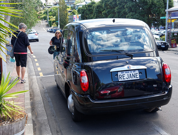 Checking out a London taxi, Devonport