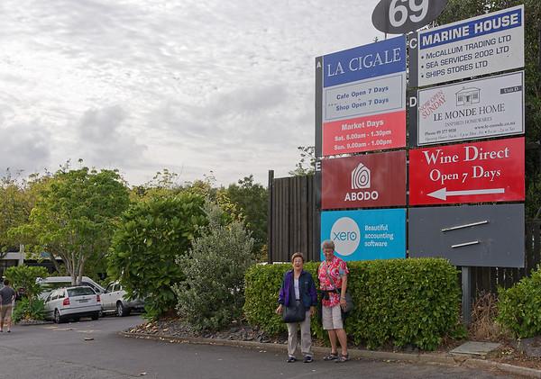 La Cigale Market, Jo and Suzanne
