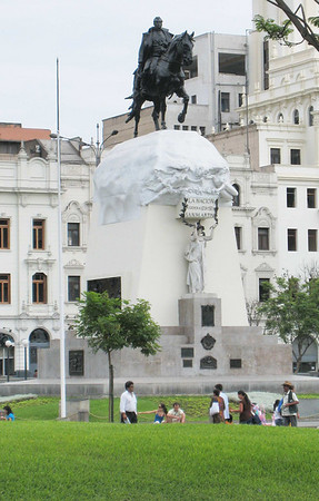 Lima, statue of San Martin