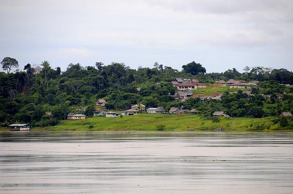Ribereño settlement, note the higher ground, Yucuruchi, Rio Ucayalli