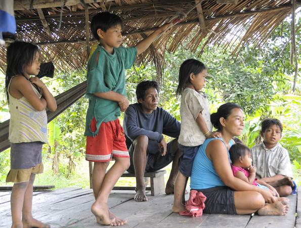 Ribereño family, Rio Tapiche, The Amazon, Peru